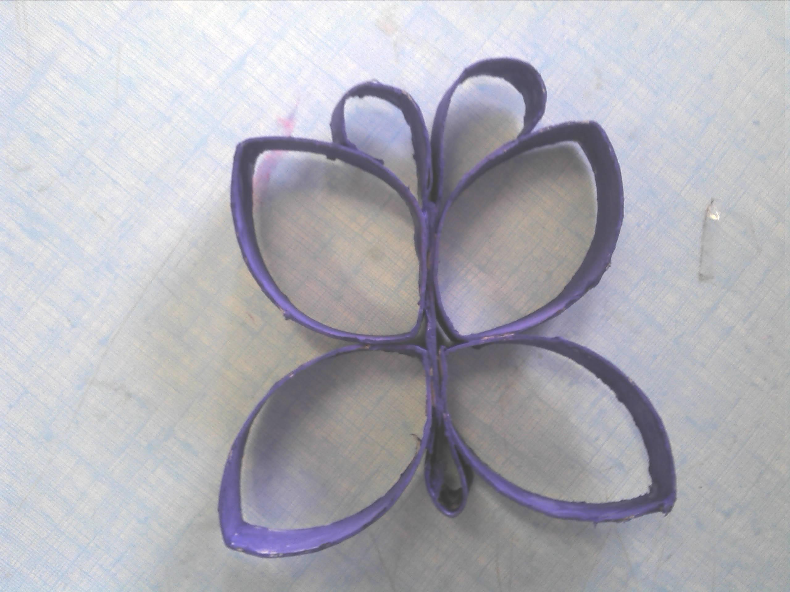 Papillon en rouleau papiers toilettes - Papillon avec rouleau de papier toilette ...